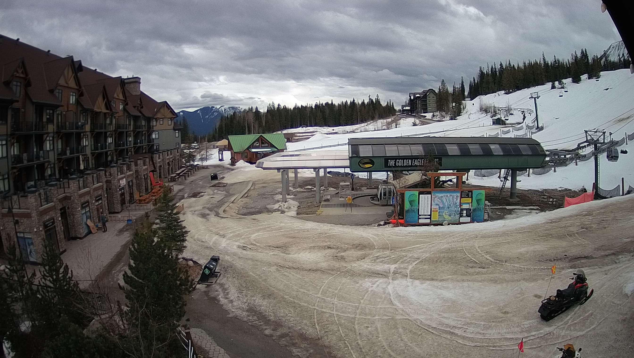 Kicking Horse Mountain Resort - Champagne Powder Capital of Canada™ 8713a92da53